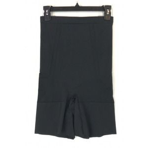 Spanx shorts black OnCore High Waisted mid thigh